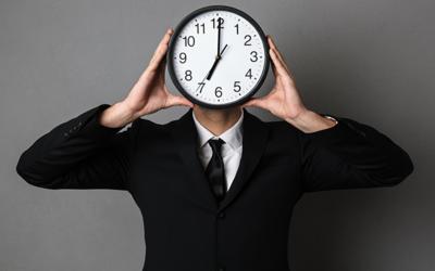 Acabar com compromissos e maus hábitos para tirar mais proveito do seu tempo.